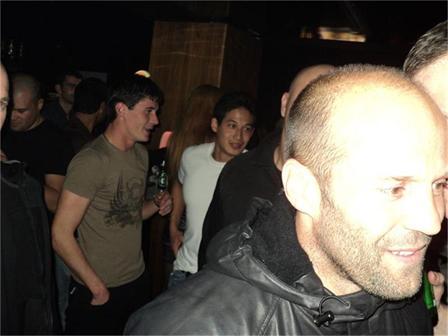 Джейсон Стэтхем посетил ночной клуб в Софии