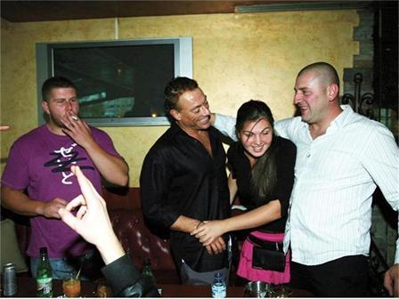 Ван Дамм погулял в софийском баре