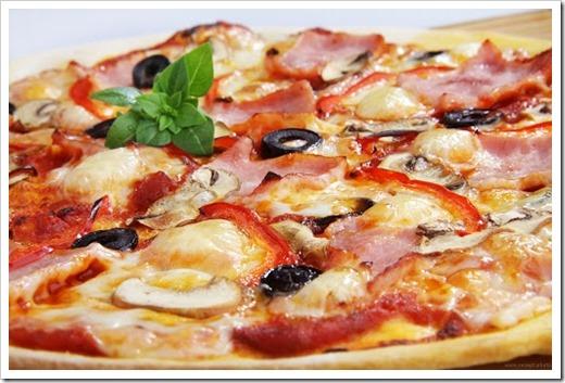 Как приготовить пиццу с ветчиной и грибами